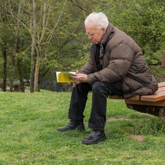 Dois-je prendre une complémentaire retraite dans le pays où je travaille ?