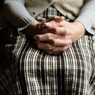 Religion et maison de retraite : comment ça fonctionne ?