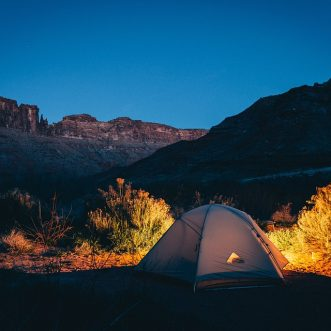 Faire du camping en Finistère Sud pendant sa retraite