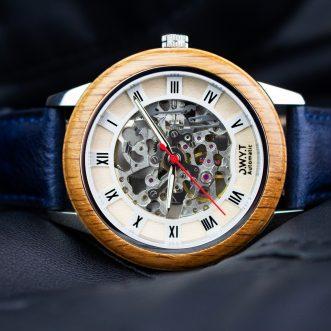 Comment utiliser une montre en bois ?