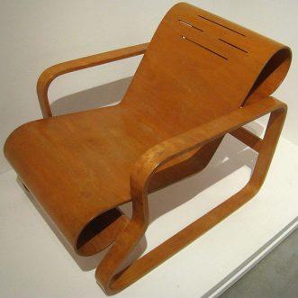 Quel est le fauteuil scandinave moins cher ?
