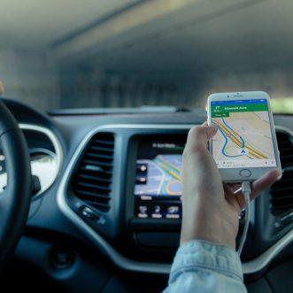 Pourquoi choisir une caméra de recul compatible avec votre GPS camping-car